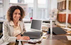 Pan Atlantic | Optimistic businesswoman